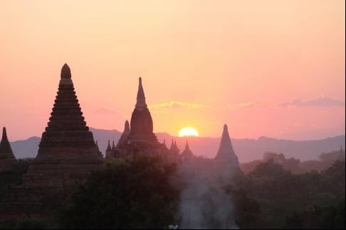 ミャンマーの街・バガン